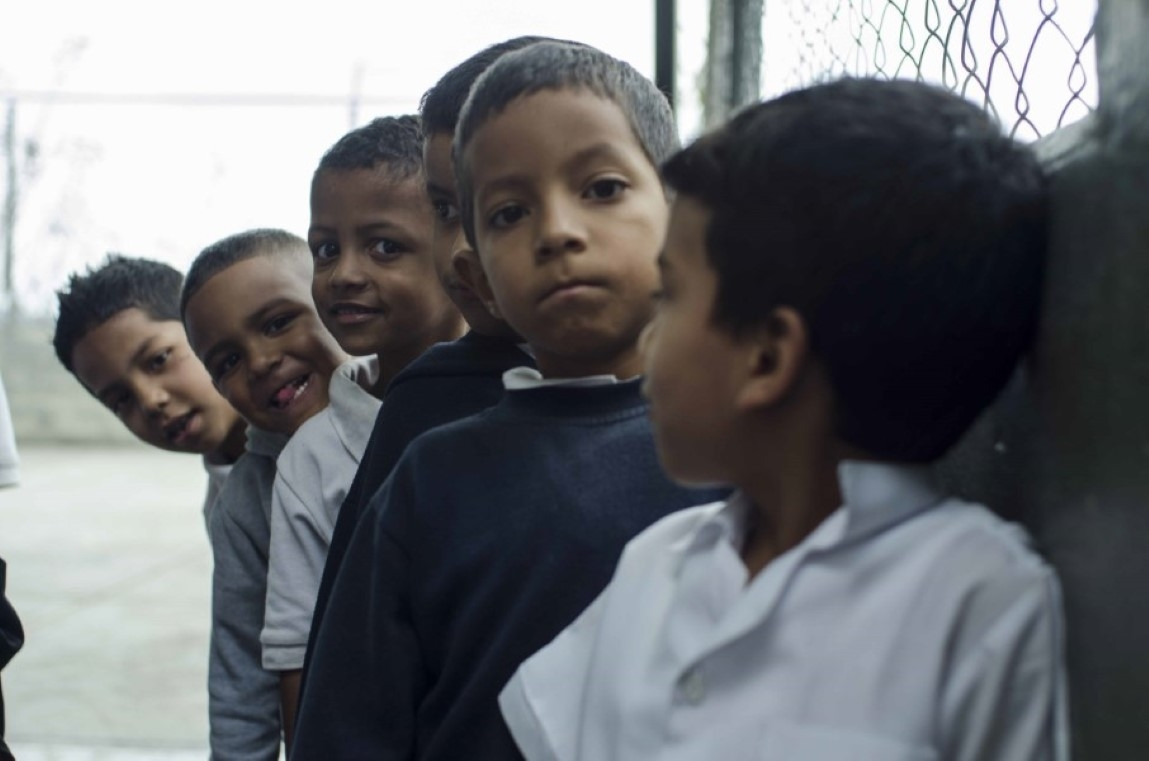 Fotos en la escuela G. Rafael Urdenata _15